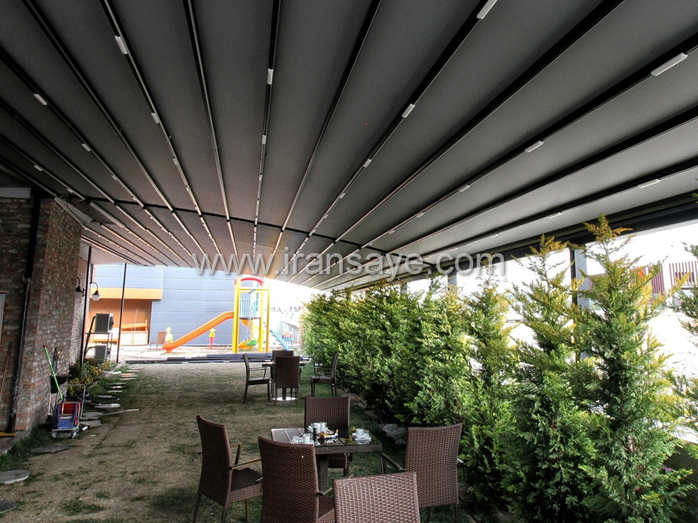 سقف متحرک اجرا شده برای محوطه کافه